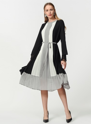 Mizalle Üç Renkli Pliseli Elbise Siyah